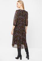 Vero Moda - Gaja 3/4 v-neck calf dress - multi