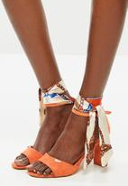 Plum - January heel - dark orange