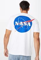 Cotton On - Tbar collab pop culture t-shirt - lcn nas white nasa