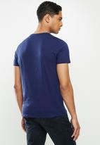 GUESS - Bsc clear classic logo crew - navy