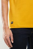 JEEP - Carrick short sleeve graphic tee - mustard
