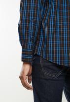 JEEP - Hadley long sleeve yd check shirt - black/olympian