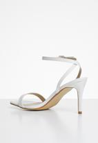 Missguided - Barely there low heel - white