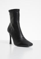 Missguided - Square mid stiletto heel ankle boots - black