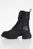 Missguided - Chunky wrap around buckle ankle boots - black