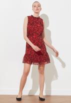 Trendyol - Patterned frilly dress - red