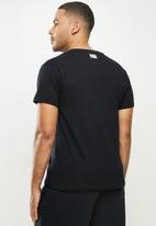 NBA - Heat icon logo straight hem printed T-shirt - black