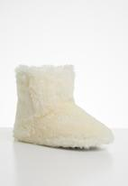 Jada - Fluffy slipper boot - beige
