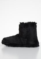 Jada - Fluffy slipper boot - black