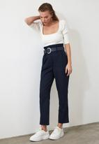Trendyol - Belted pleated straight cut trousers - navy