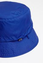 The North Face - Sun stash reversible bucket hat - red & blue