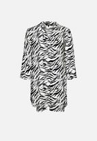 Vero Moda - Simply easy 3/4 tunic top - black