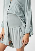 Cotton On - Sleep recovery maternity pocket short - desert sage wash