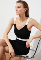 Trendyol - Color block dress - black