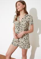 Trendyol - Leopard patterned knitted pajamas set - mutli