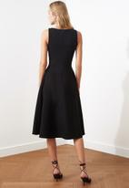 Trendyol - Pleated dress - black