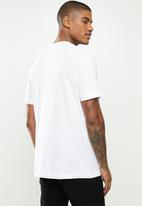 PUMA - Classics logo tee (s) - white