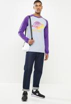 NBA - Lakers icon logo long sleeve printed T-shirt - grey & purple