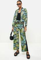 SISSY BOY - Attraction printed bomber - green