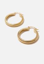 Rubi - Premium mid hoop - gold plated