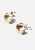 Rubi - Premium everyday hoop - gold plated wide flat edge