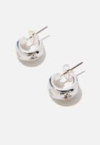 Rubi - Premium everyday hoop - sterling silver plated astral