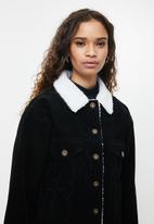 Cotton On - Sherpa cord trucker jacket - black