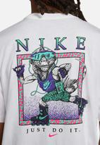 Nike - Nsw beach rollerblader tee - white