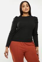 Me&B - Plus pleated sleeve tee - black