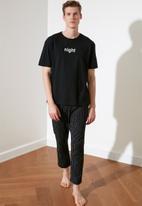Trendyol - Printed top & pants pj set - black