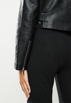 SISSY BOY - Cano: crop pu biker jacket - black