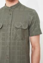 Trendyol - 2 Pocket shirt - khaki