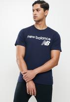 New Balance  - New Balance classics core logo tee - navy