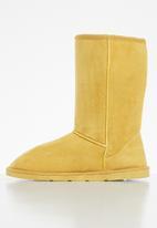 dailyfriday - Cas boot - mustard