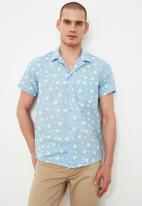 Trendyol - Printed short sleeve shirt - blue