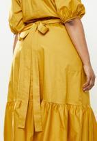 Me&B - Plus the tori dress - yellow