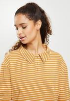 Blake - Long sleeve cropped golfer - mustard