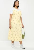 Glamorous - Plus slip dress - yellow