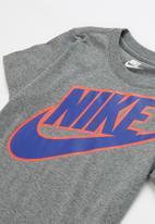 Nike - Nike futura tee crago short set - grey & blue