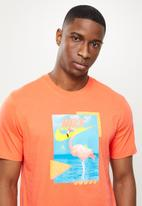Nike - Nike beach flamingo tee  - orange