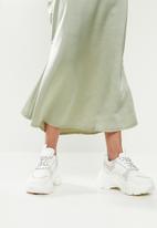 Missguided - Petite a-line satin slip midi skirt - sage