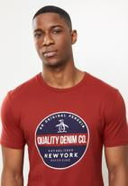 Original Penguin - Quality circle tee - red