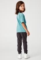 Cotton On - License drop shoulder short sleeve tee - green