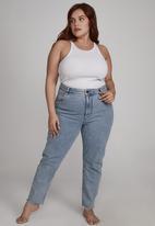 Cotton On - Curve taylor mom jean - flynn blue