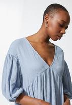 VELVET - Volume babydoll mini tiered dress - blue