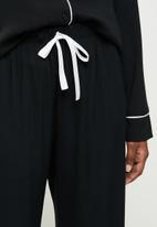 Superbalist - Sleep shirt & pants set - black