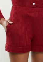 STYLE REPUBLIC - Waffle sleep top & shorts set - red