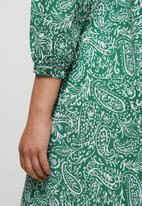 edit - Raglan balloon sleeve peasant dress - green paisely