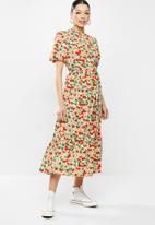 Missguided - Open back ruffle hem midi dress floral - multi
