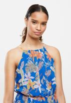Trendyol - Flower patterned slit dress - blue